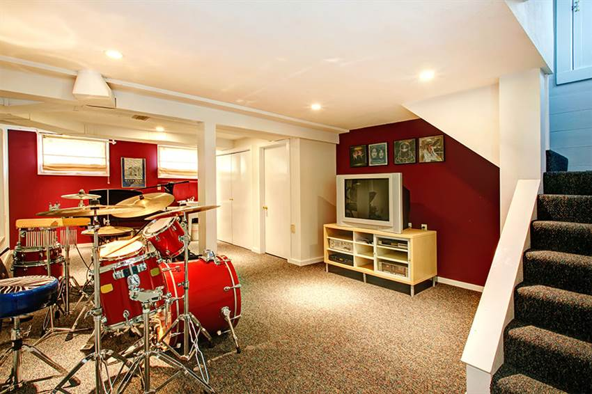 Man cave in a basement